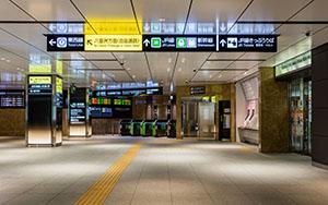 東京駅丸の内地下・案内サイン