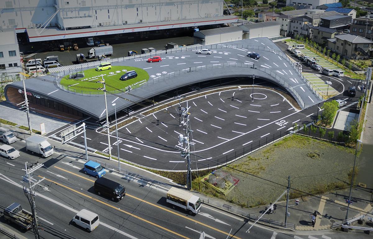 トヨタカローラ新大阪名神茨木店 サイン計画